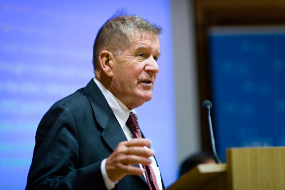 Leer más:Charla de experto de Noruega en Economía del gobierno de los recursos naturales