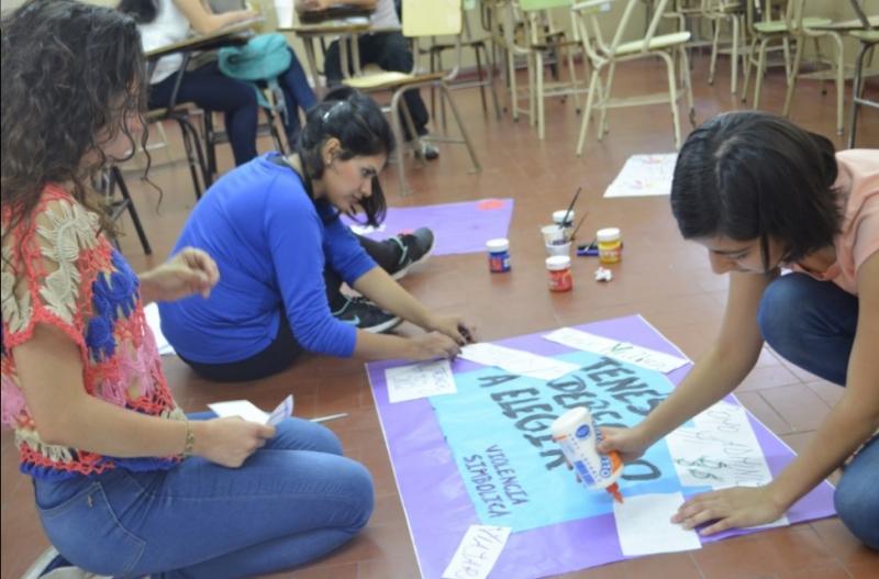 Intervencion artistica contra la violencia hacia las mujeres